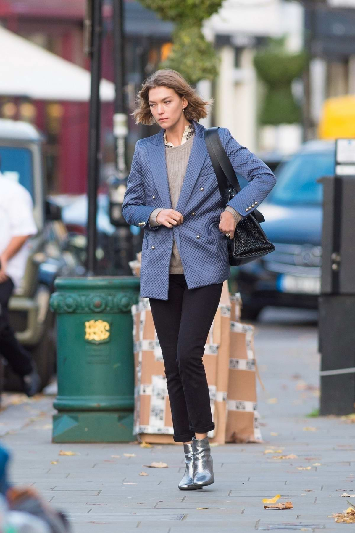 Arizona Muse shows off a casual look on her way to lunch in Notting Hill, London