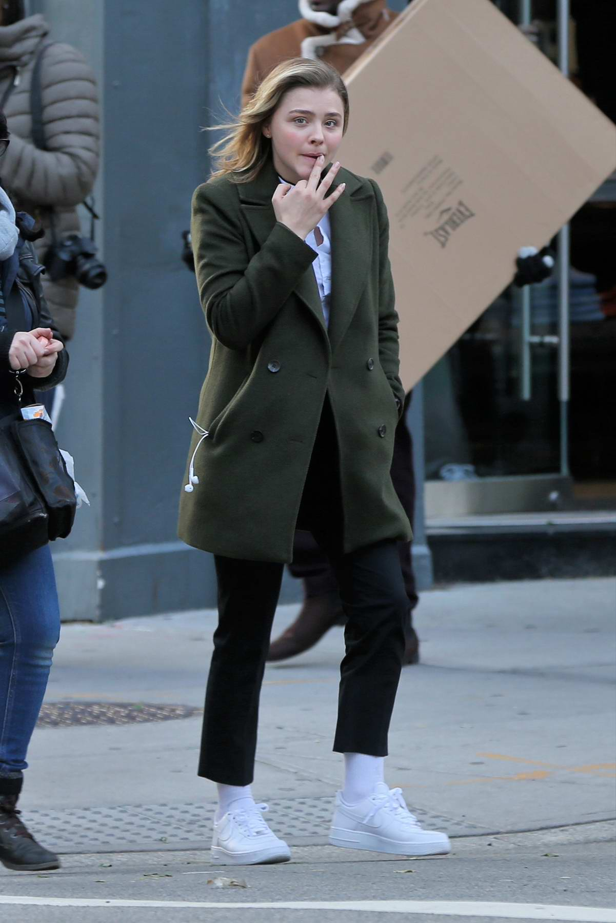 Chloe Grace Mortez rides a city bus filming 'The Widow' in New York City