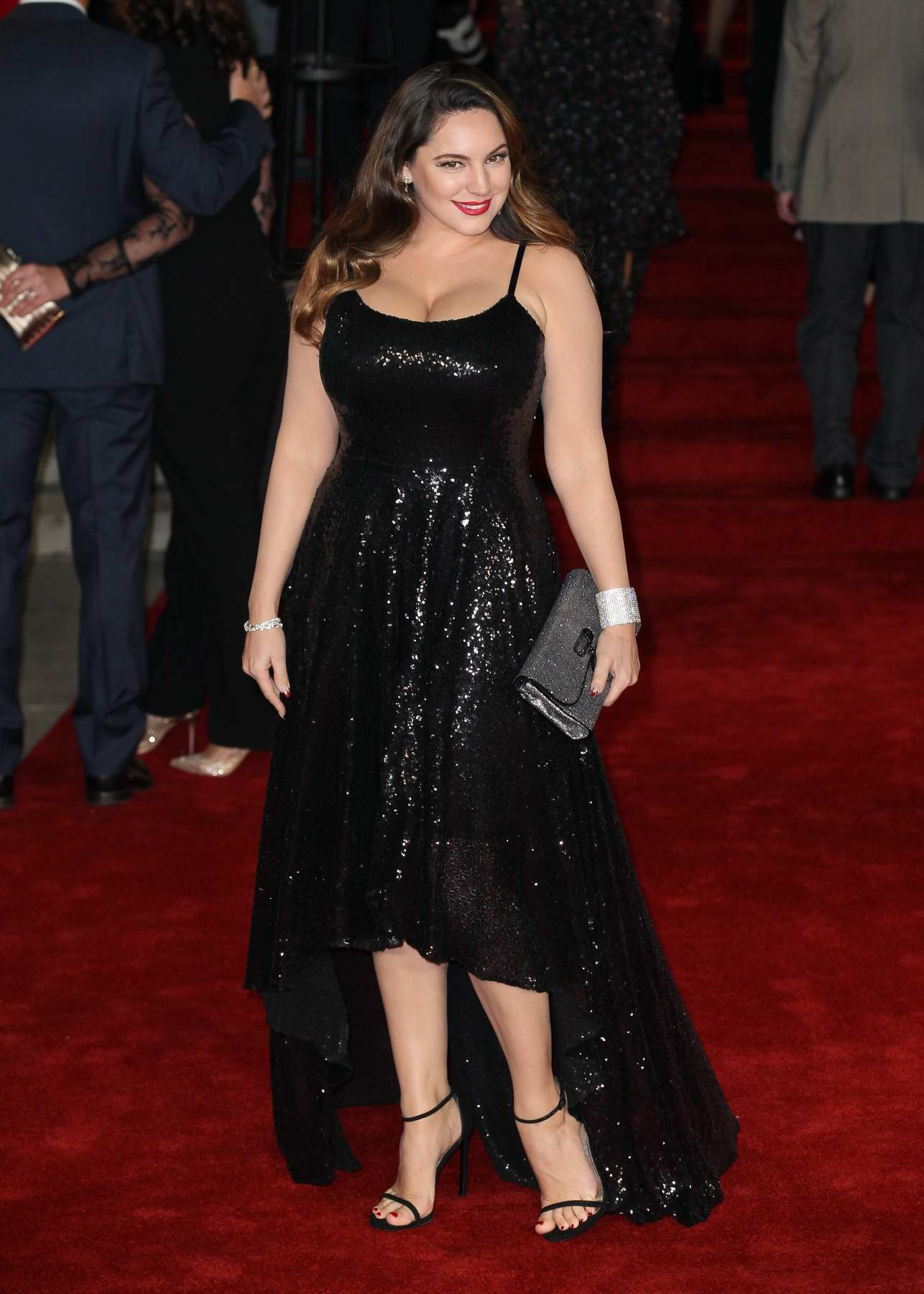 Kelly Brook attends the premiere of 'Murder on the Orient Express' in London