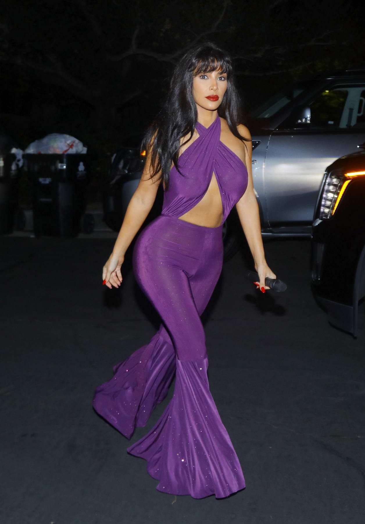 kim kardashian dresses up as selena quintanilla-pérez at the chrissy ...