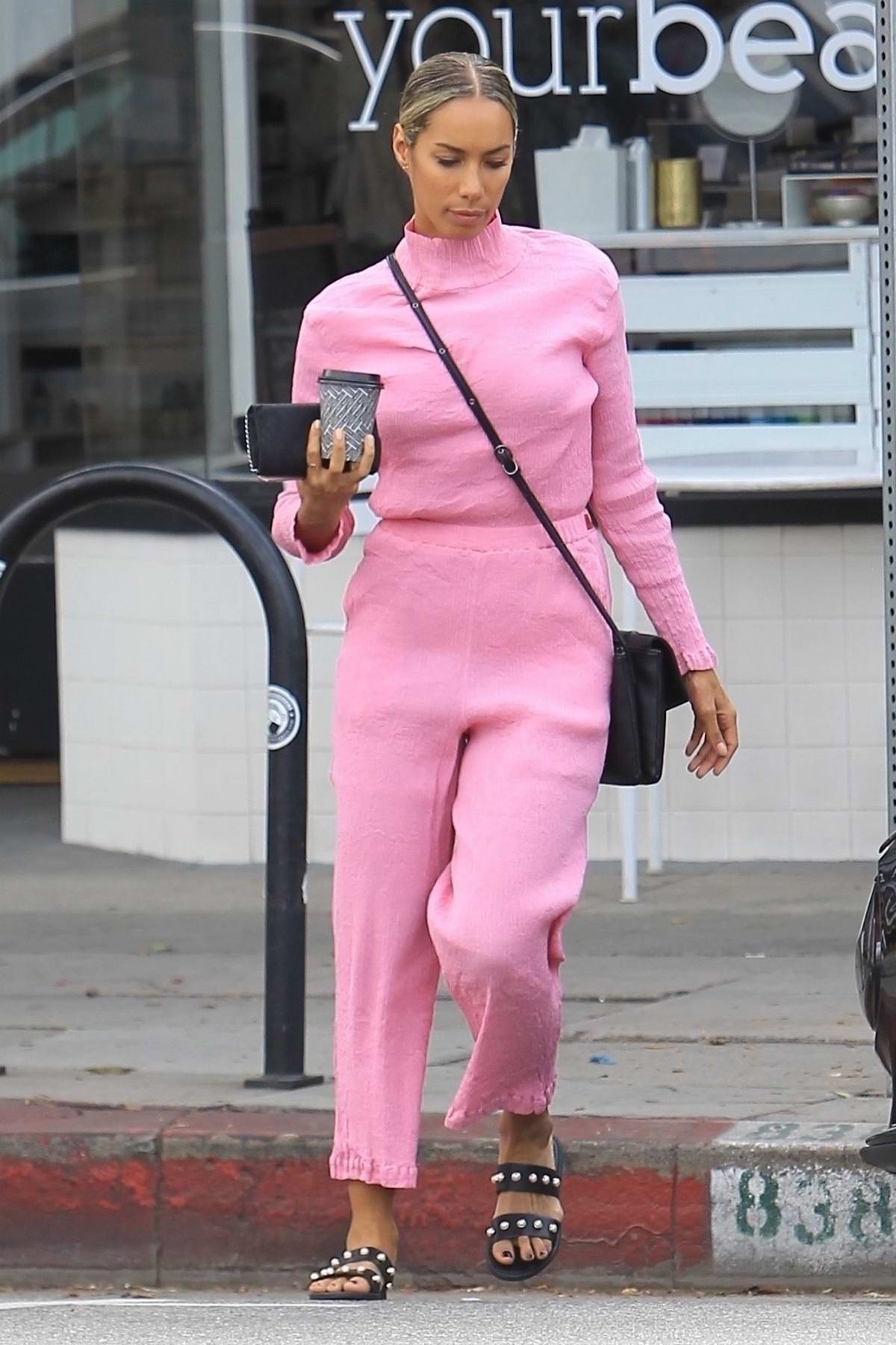 Leona Lewis leaves a detox market decked out in a light pink ensemble, los angeles
