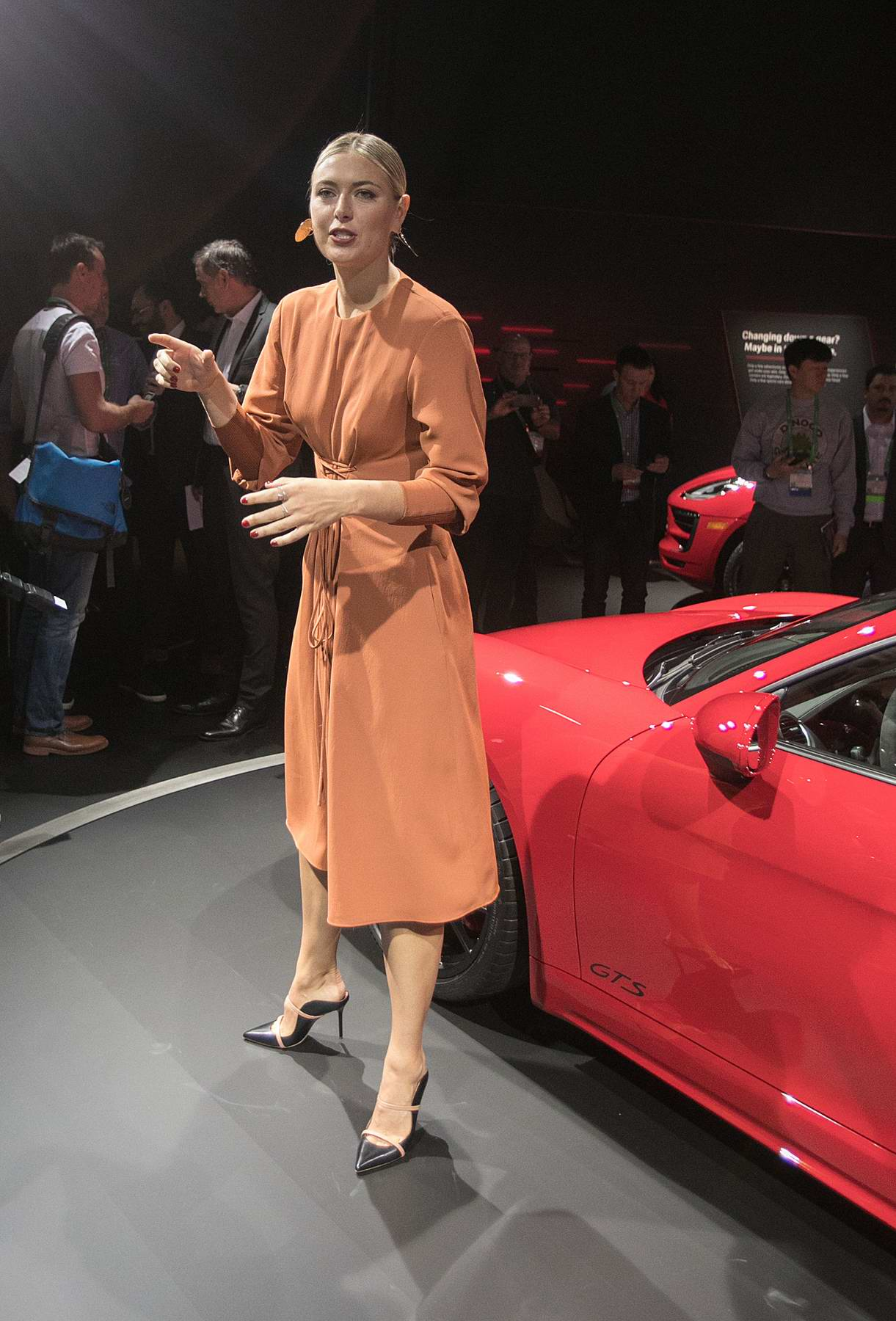 Maria Sharapova Attends The Unveiling Of The Porsche Cayman - Los angeles car show 2018
