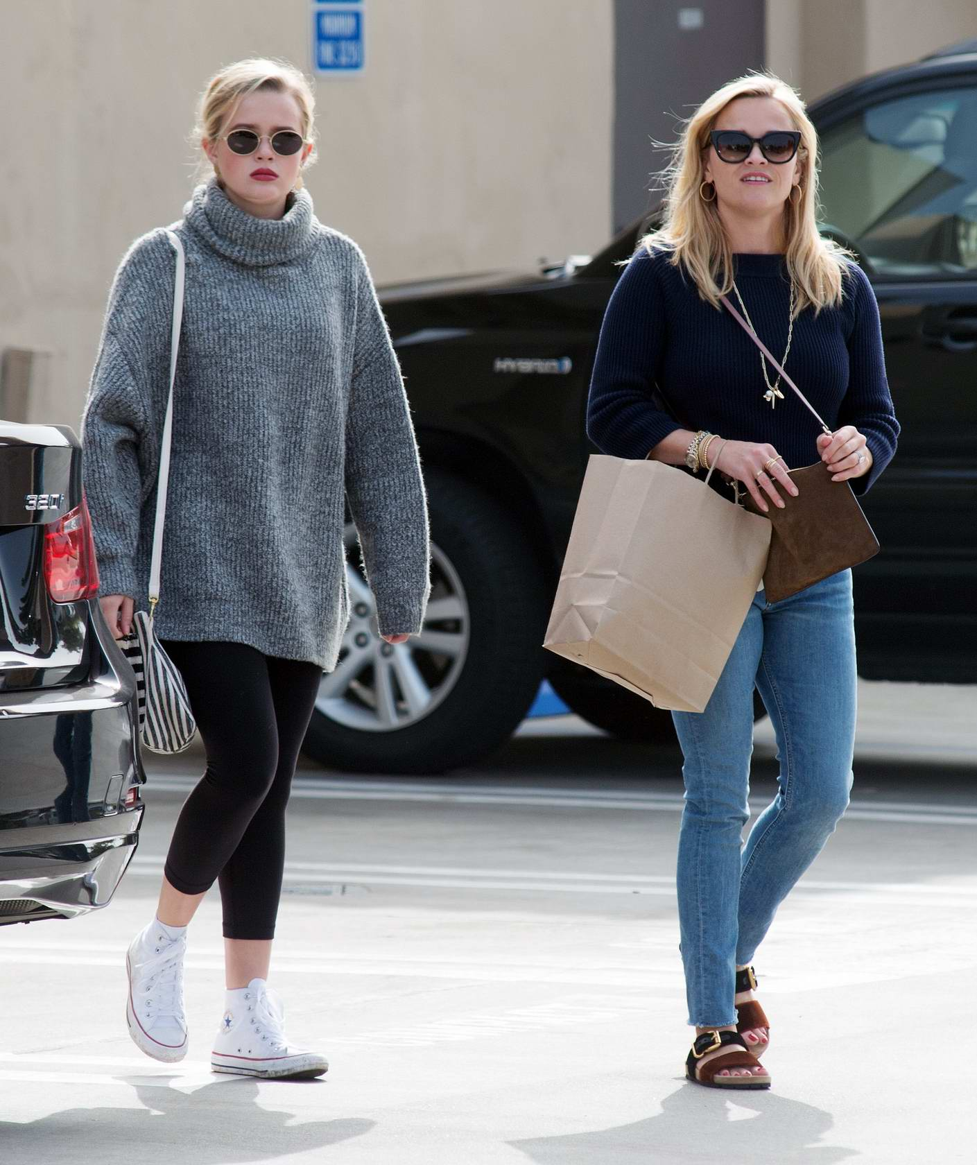 Reese Witherspoon out with daughter Ava Phillippe for some shopping in Los Angeles