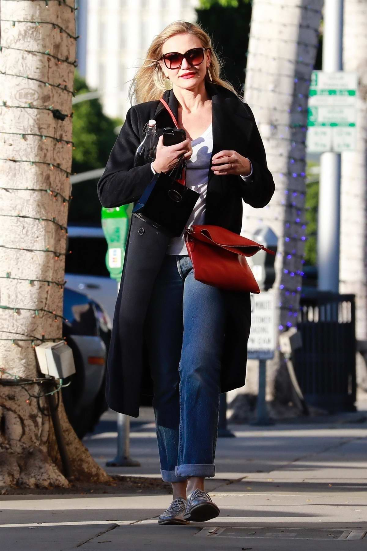 Cameron Diaz shops for Christmas jewelry at XIV Karats in Beverly Hills, Los Angeles