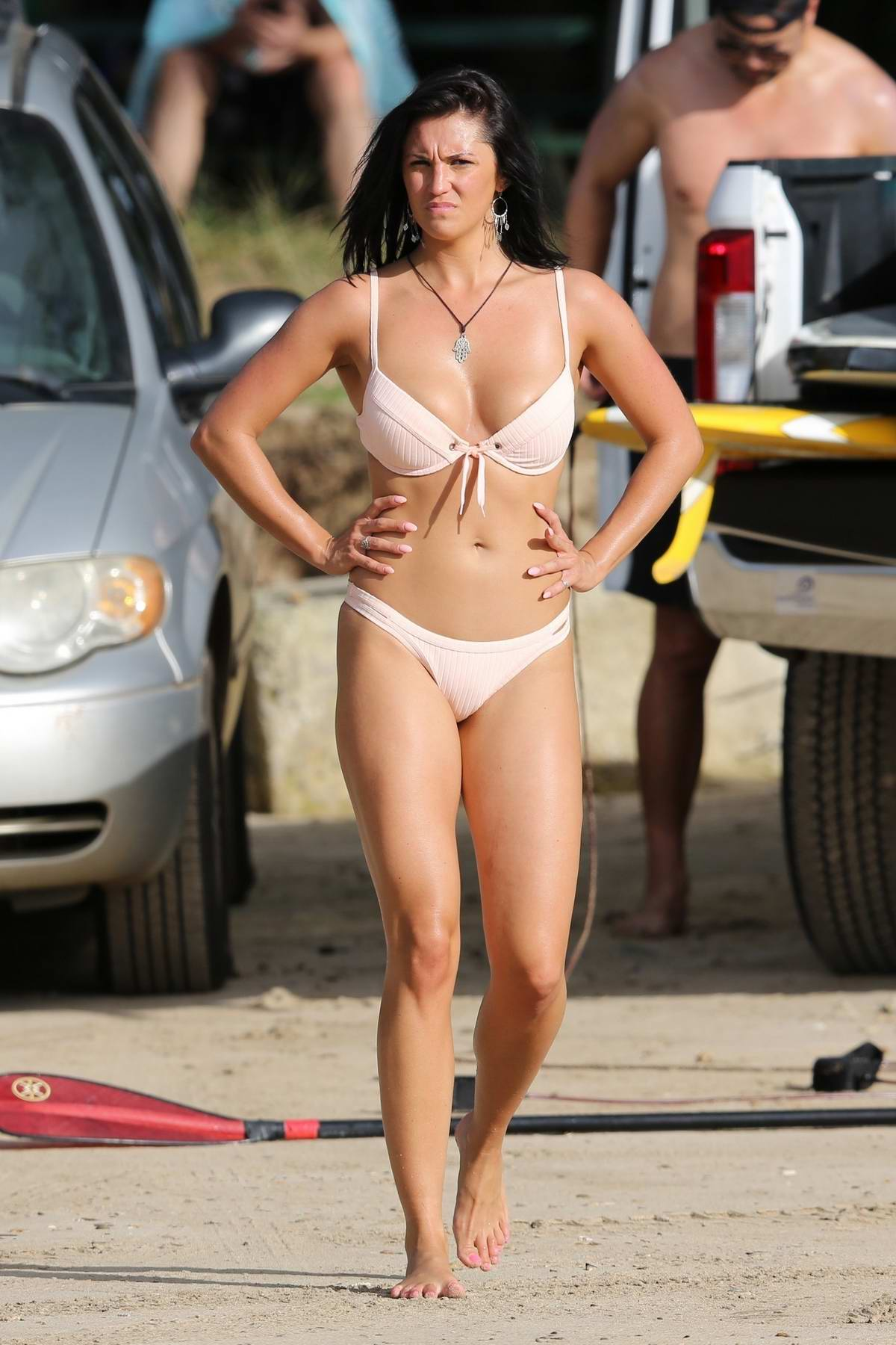 Darcie Lincoln and Jeremy Piven seen paddle boarding in a bikini while on vacation in Hawaii