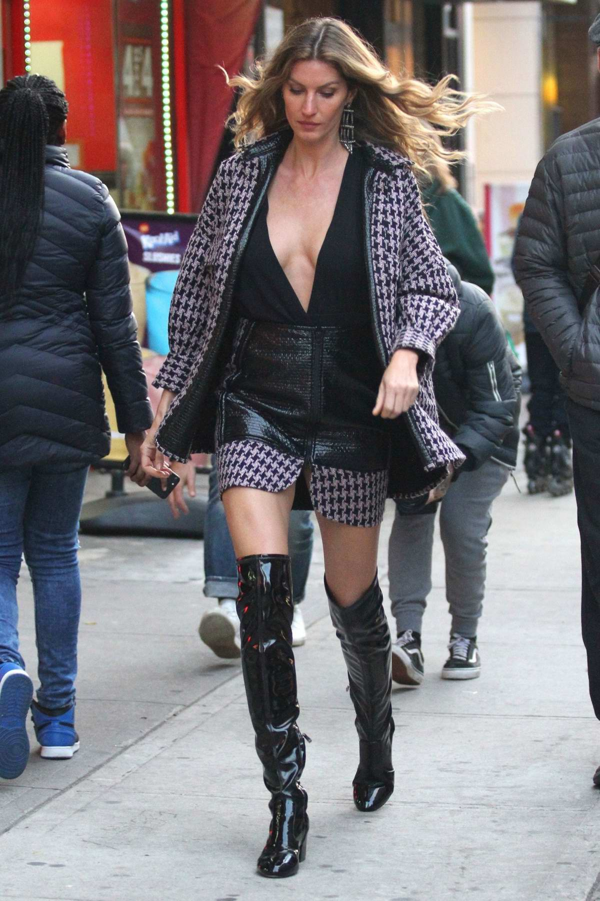 Gisele Bundchen spotted during a photoshoot on the streets of Brooklyn, New York City