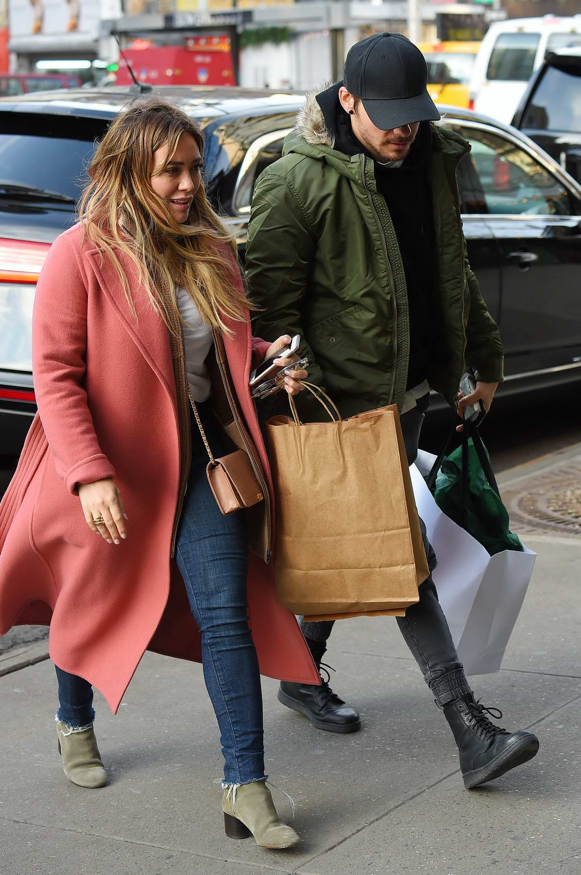 Hilary Duff and boyfriend Matthew Koma spotted out while shopping in Manhattan, New York City