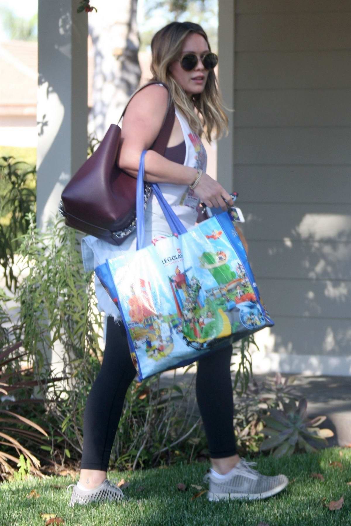 Hilary Duff arrive at her boyfriend Matthew Koma's house in Studio City, Los Angeles