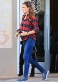 Jennifer Garner spotted picking up her daughter during an afternoon in Los Angeles