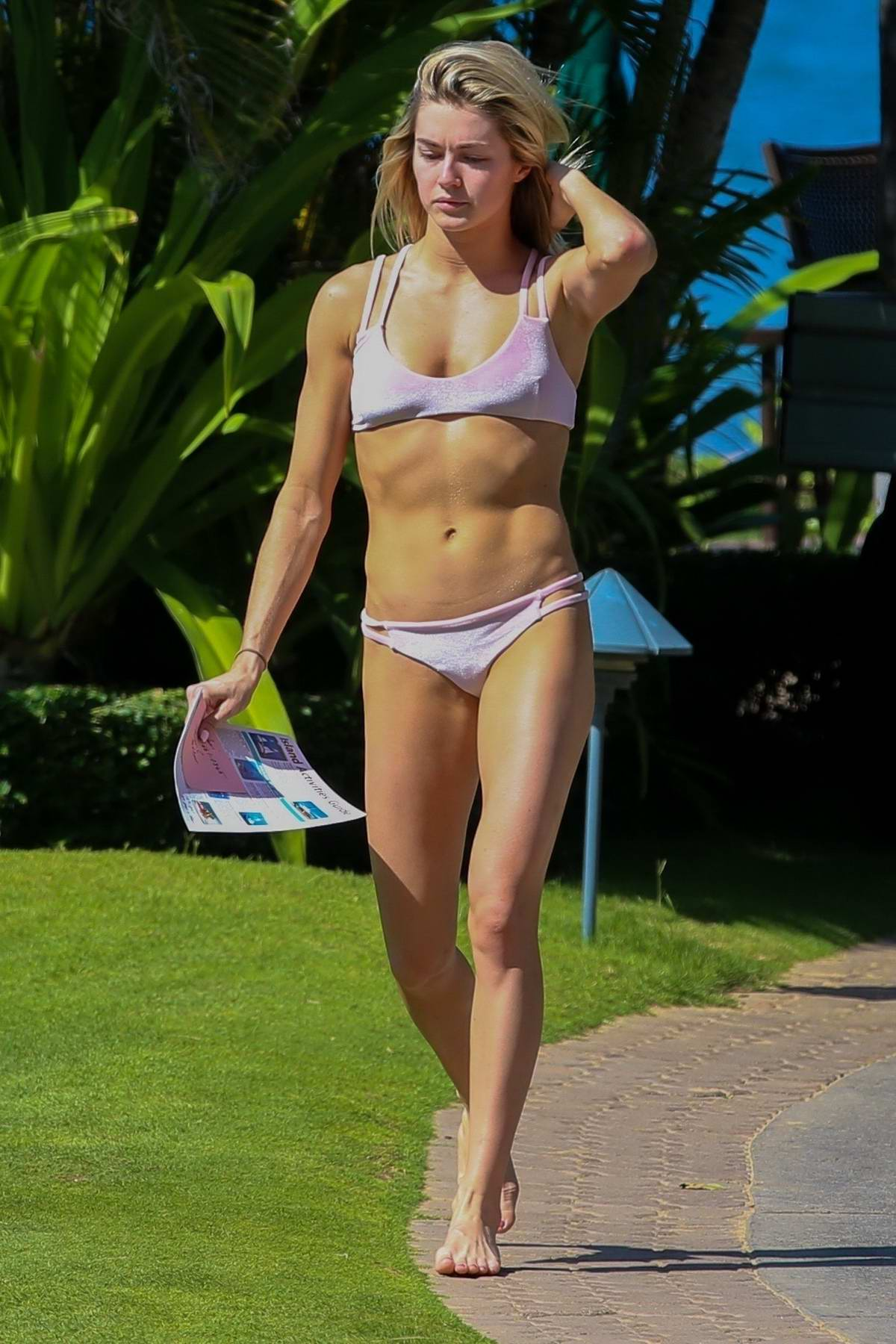 Lindsay Arnold in a pink bikini hits the beach in Hawaii