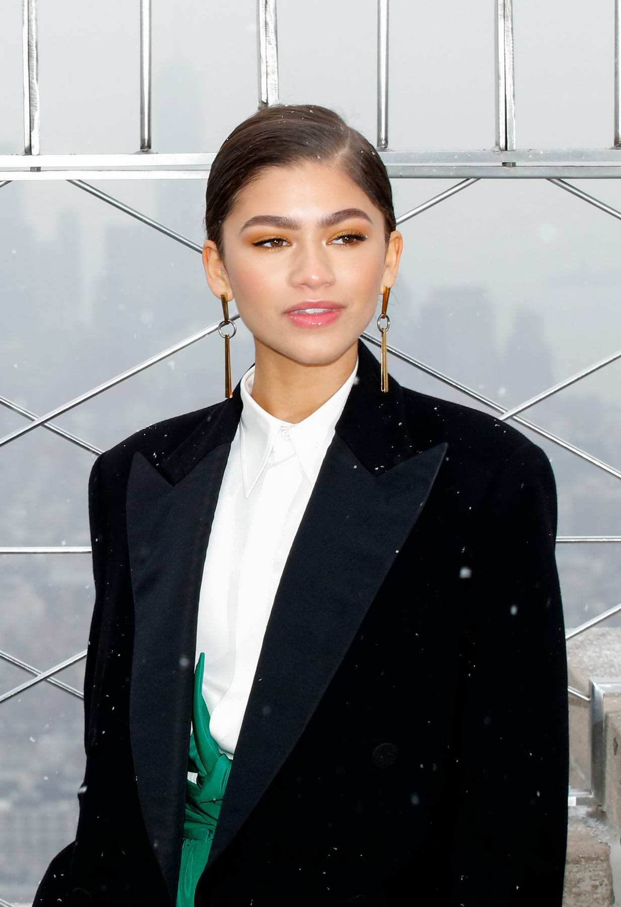 zendaya coleman and zac efron at the empire state building ...