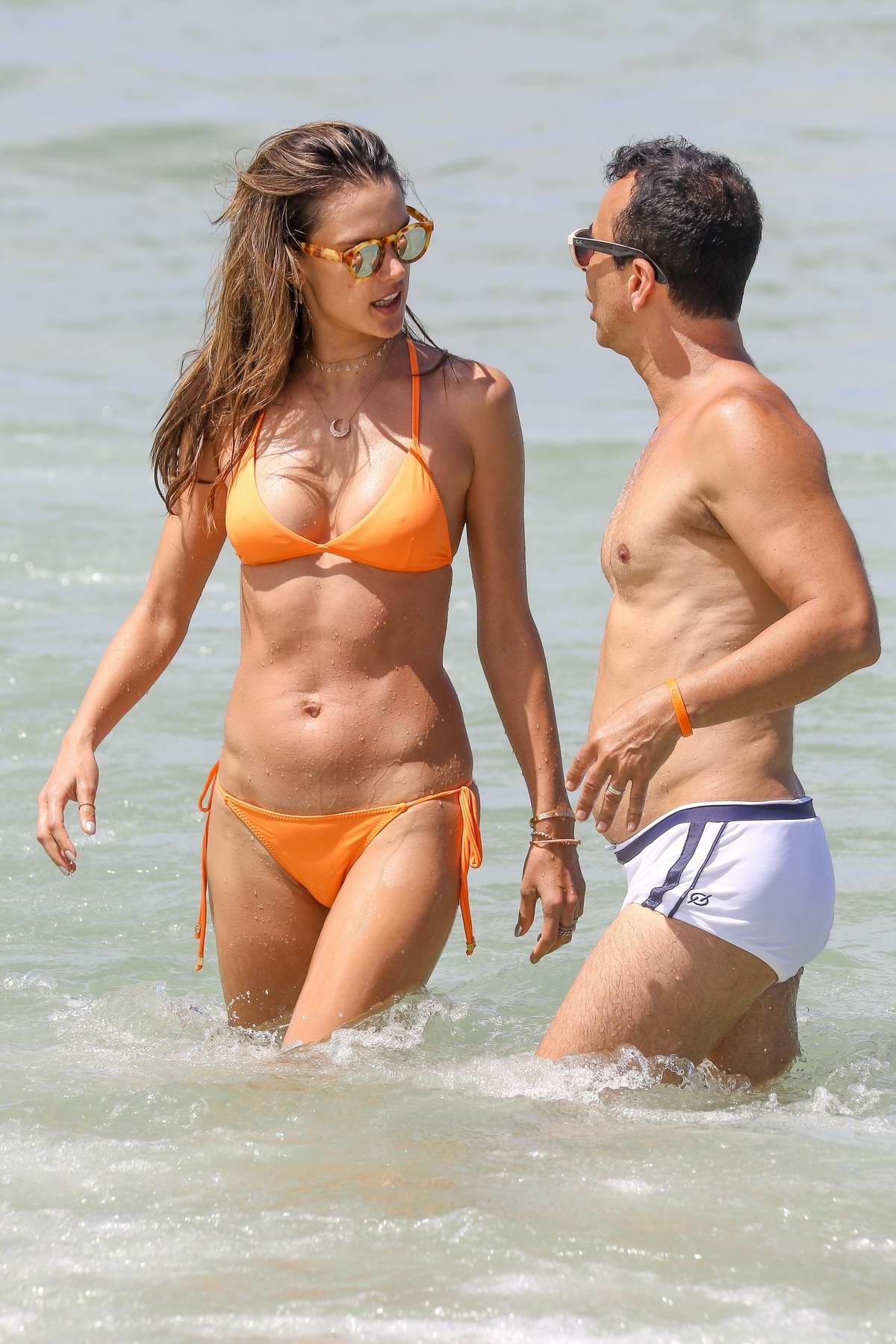 Alessandra Ambrosio - on the beach in Porto Alegre - 7/2