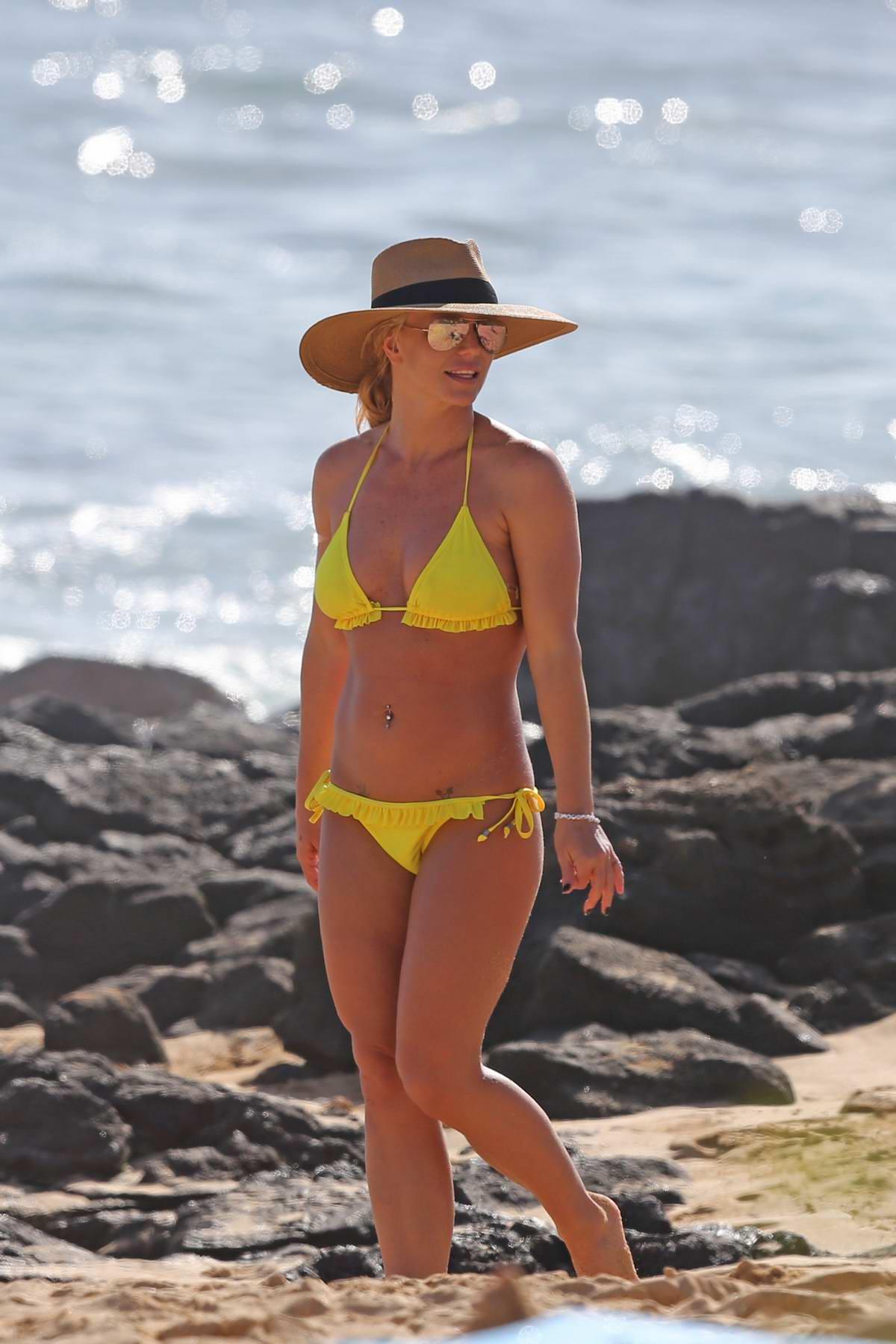 Britney Spears hits the beach in a yellow bikini in Hawaii