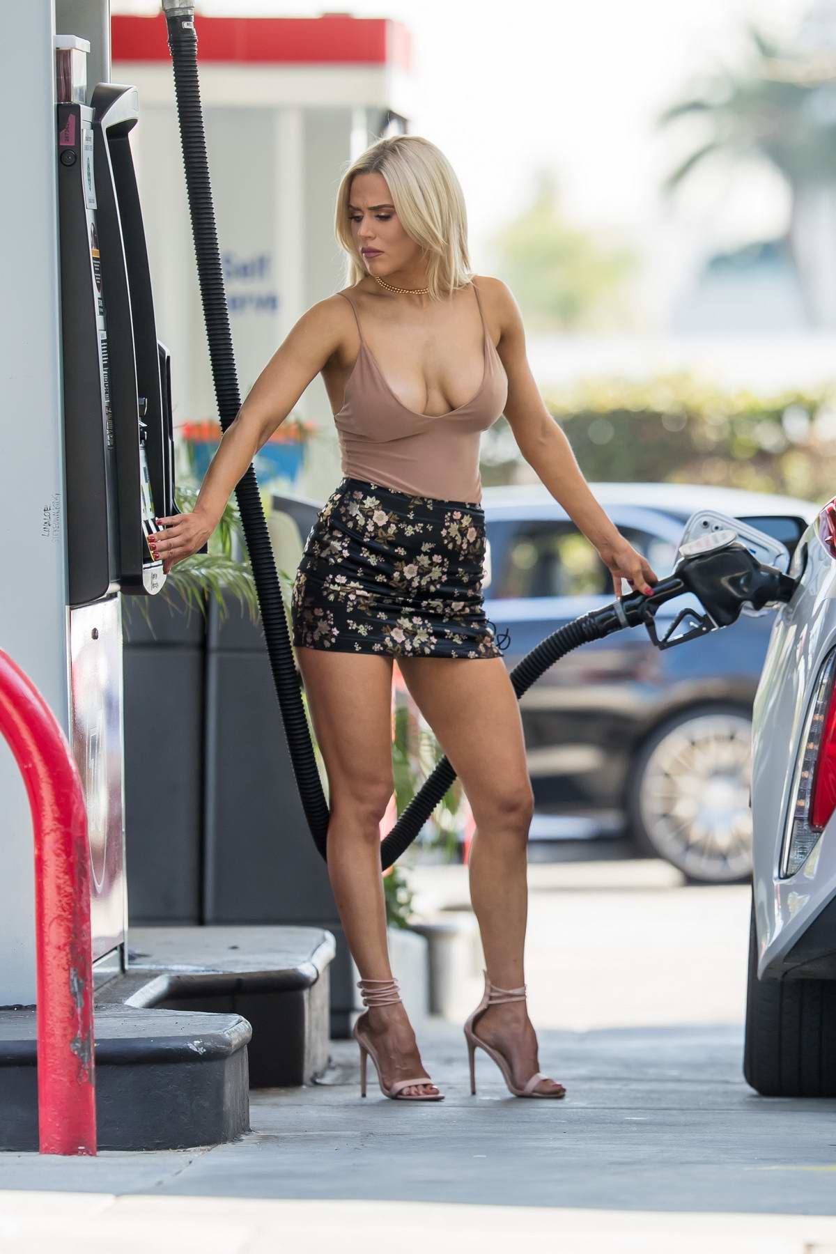 CJ 'Lana' Perry stops by a gas station in Beverly Hills, Los Angeles