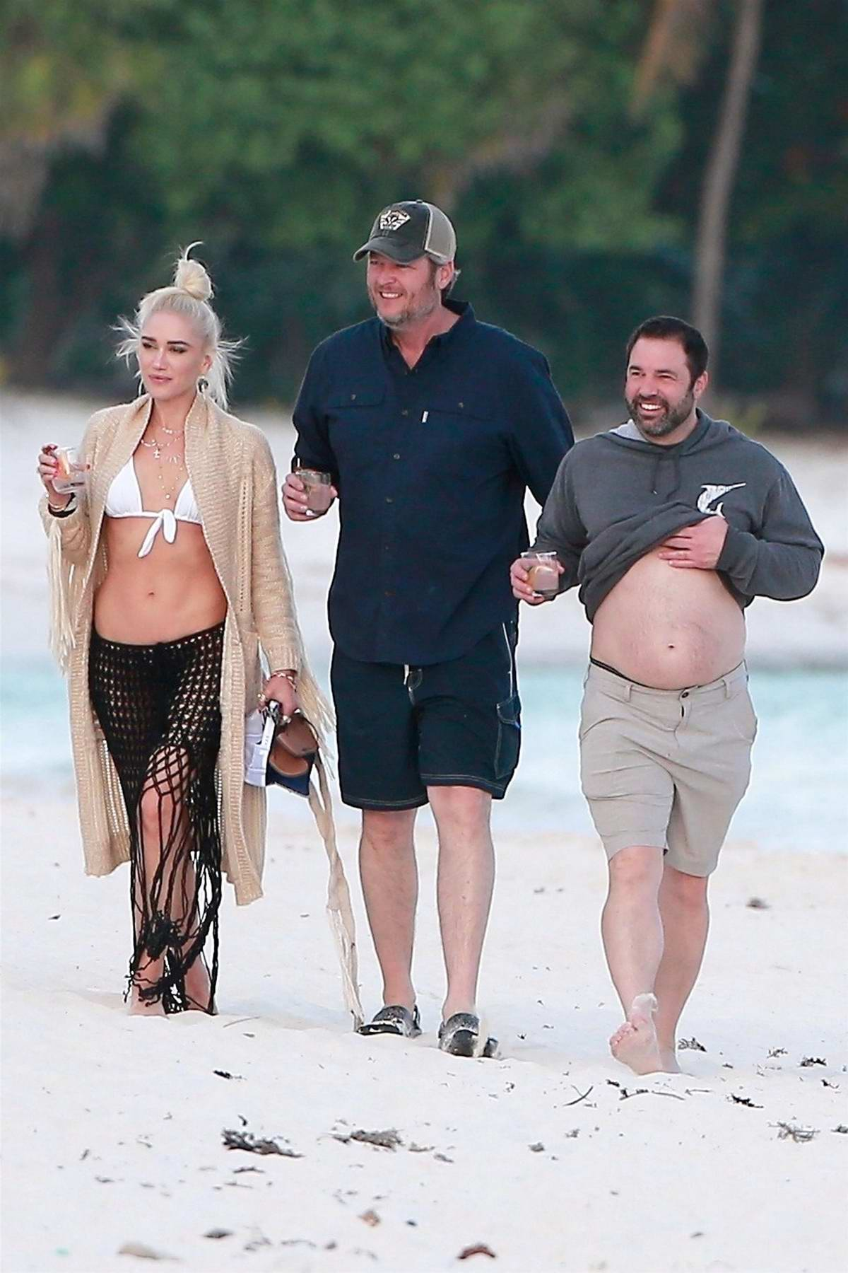 Gwen Stefani And Blake Shelton Enjoys A Stroll On The