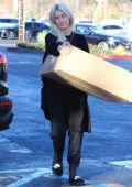 Julianne Hough drops off a large package at FedEx in Los Angeles