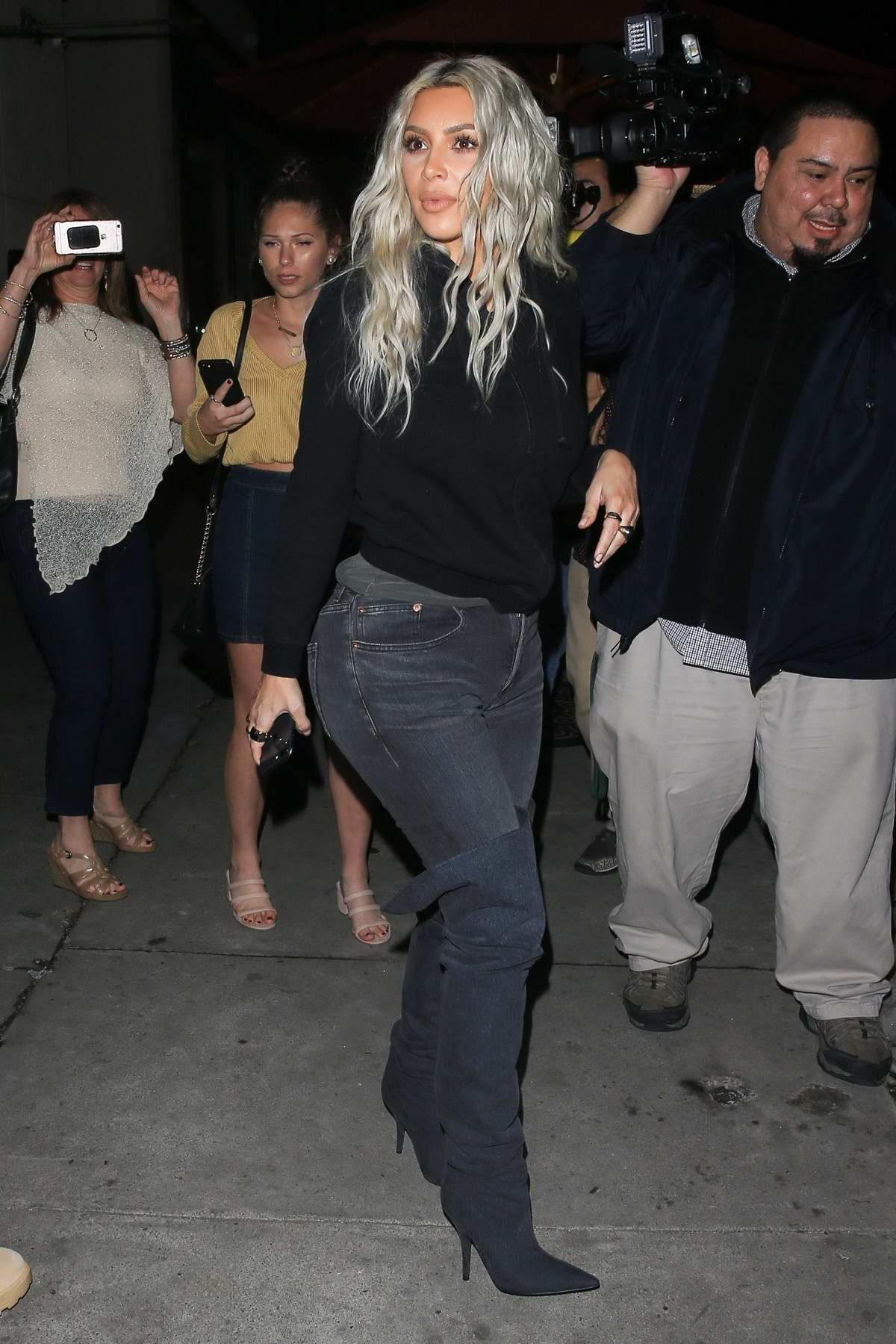 Kim Kardashian and Kanye West heads out after dinner at Craig's in West Hollywood, Los Angeles
