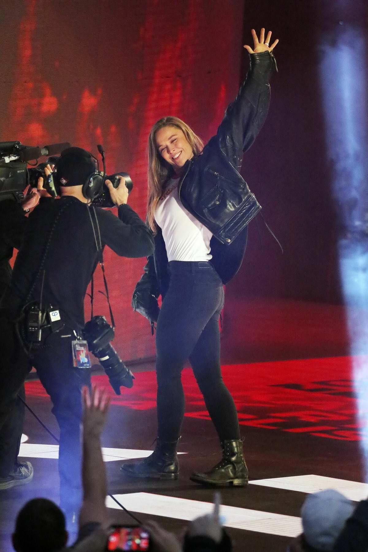 Ronda Rousey signs her contract at WWE Royal Rumble, Philadelphia