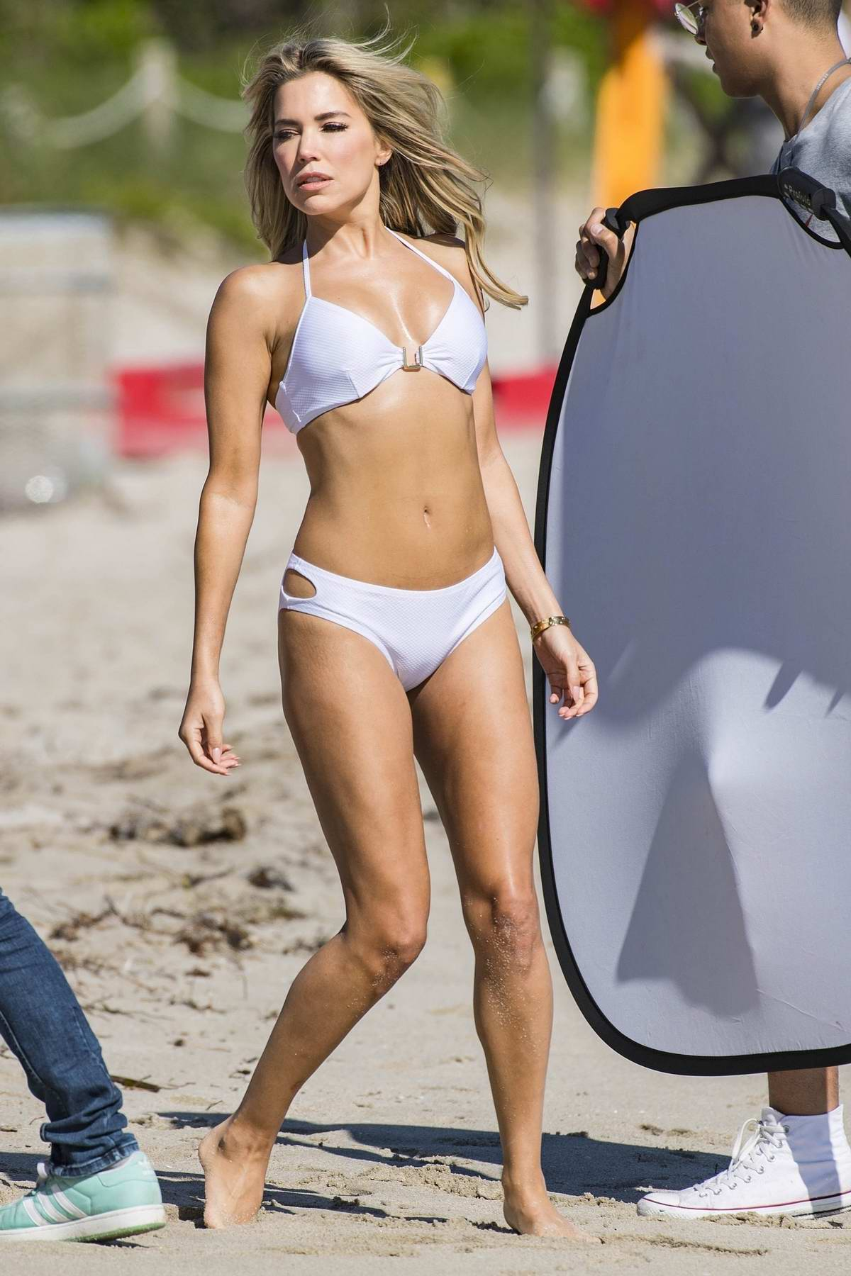 Welp sylvie meis dons assorted bikinis as she shoots for her new sylvie GO-06