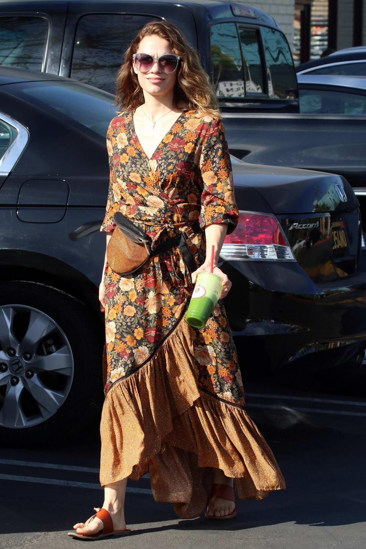 Bethany Joy Lenz grabs a green juice for lunch in Studio City, Los Angeles