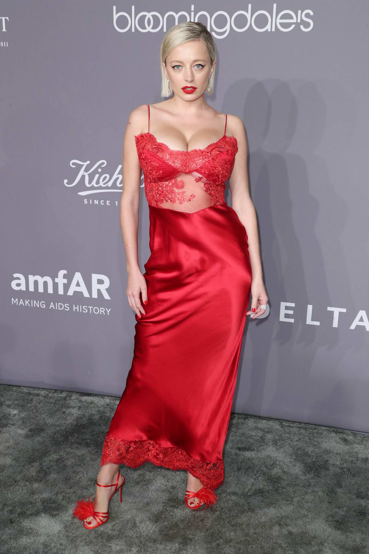 Caroline Vreeland attends 2018 amfAR Gala New York at Cipriani Wall Street in New York City