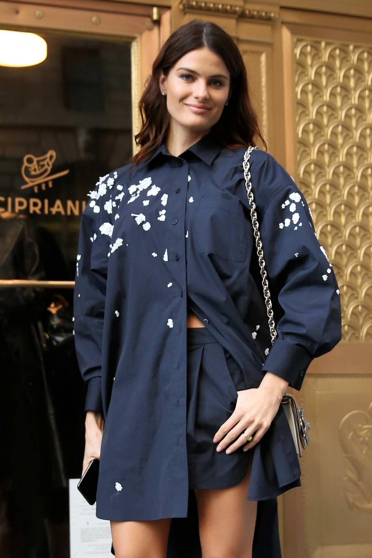 Isabeli Fontana attends Oscar de la Renta AW18 at Cunard Building during New York Fashion Week in New York City