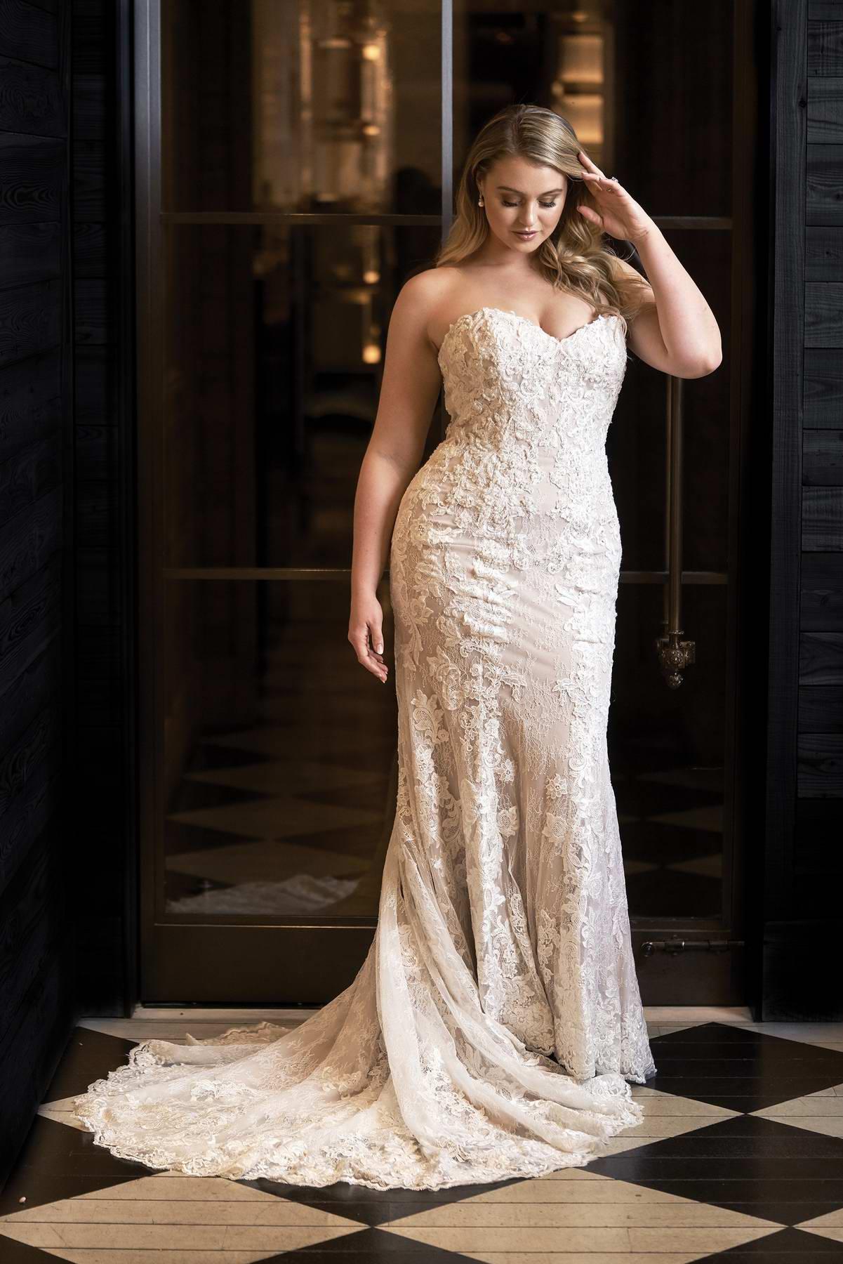 Iskra Lawrence in Justin Alexander 2018 Bridal Campaign