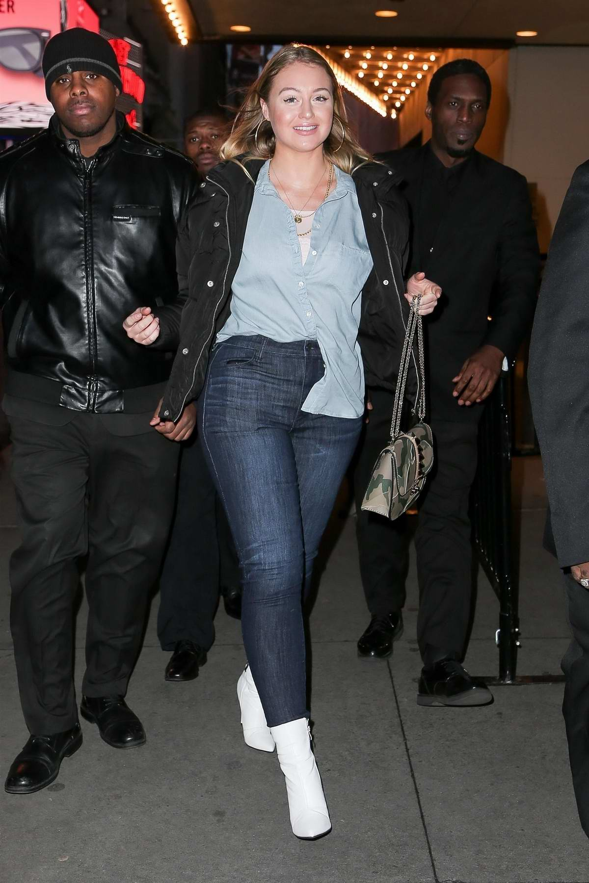 Iskra Lawrence smiles for the cameras as she leaves the TRL Studios in New York City