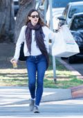 Jennifer Garner spotted out with a box of donuts in Los Angeles