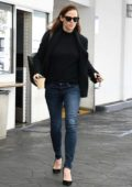 Jennifer Garner walks back to her car following lunch at E Baldi in Beverly Hills, Los Angeles