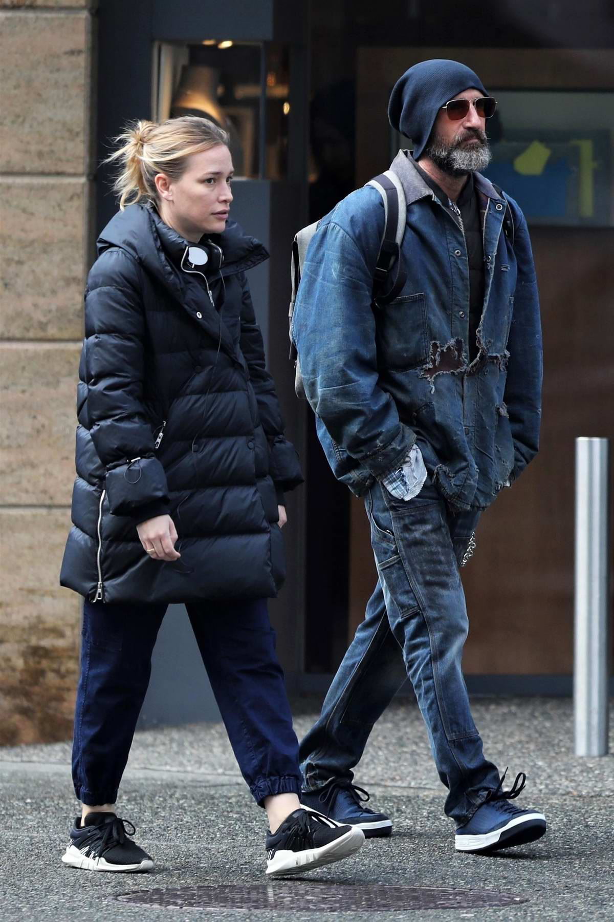 Piper Perabo and Stephen Kay spotted enjoying a stroll in Vancouver, Canada