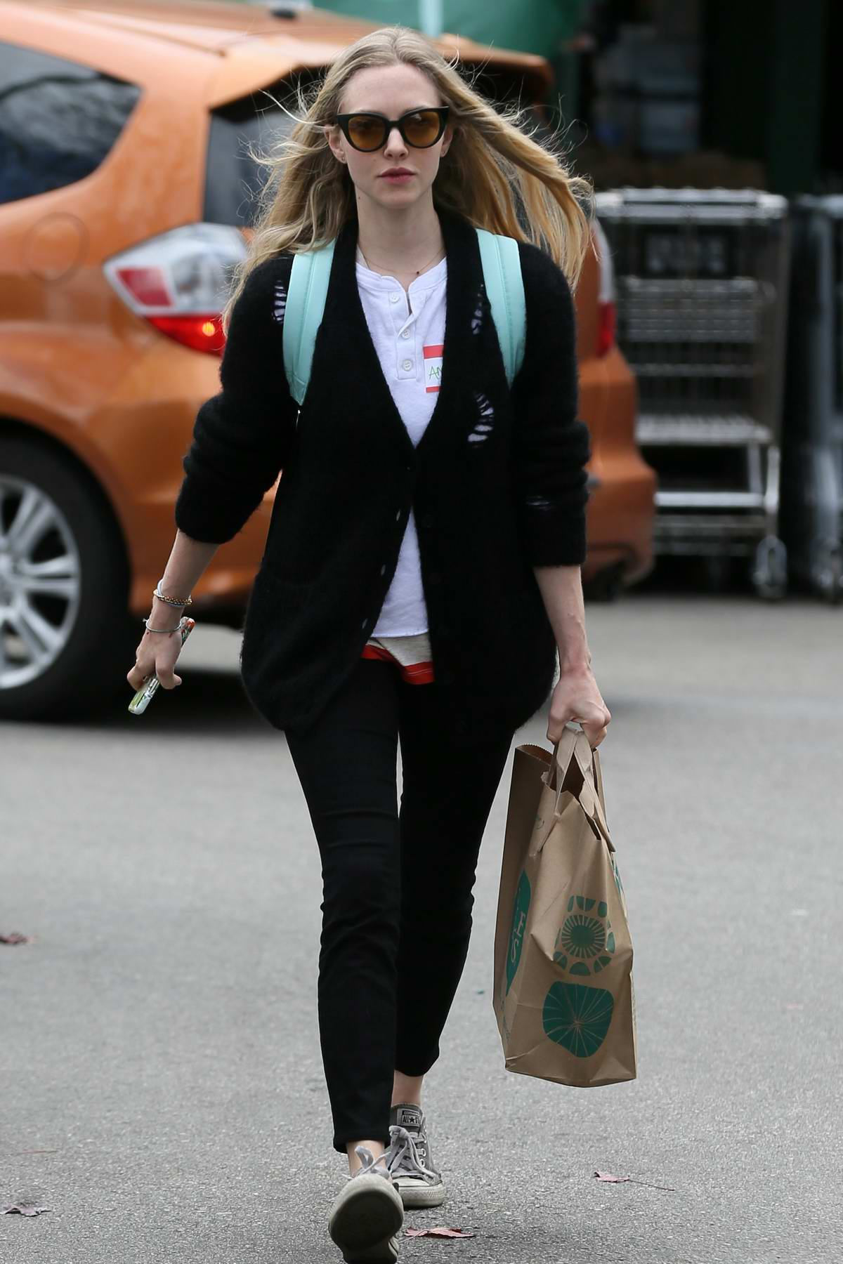 Amanda Seyfried picks up some groceries from the Whole Foods in Los Angeles