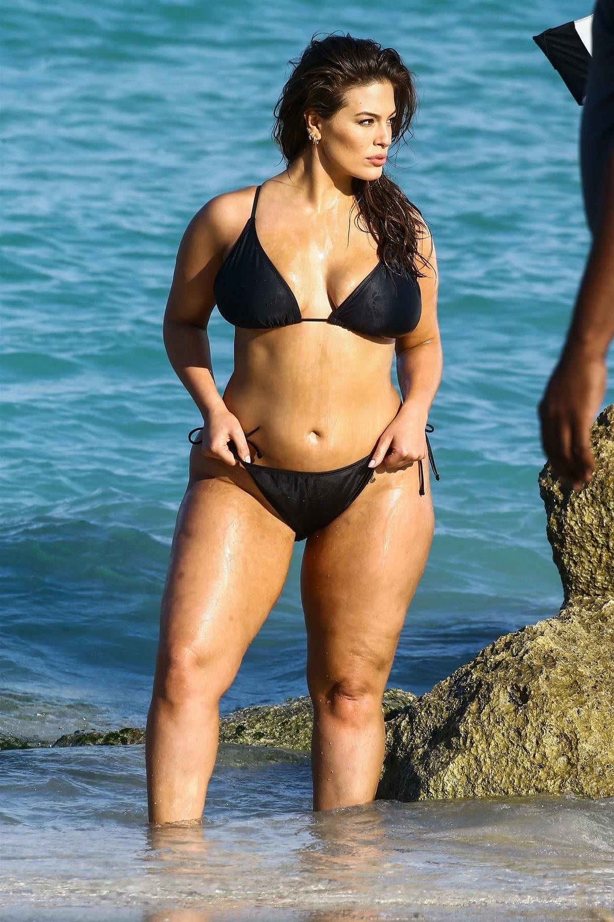 Ashley Graham sizzles in a black bikini during a photoshoot at the beach in Miami, Florida - Set 01