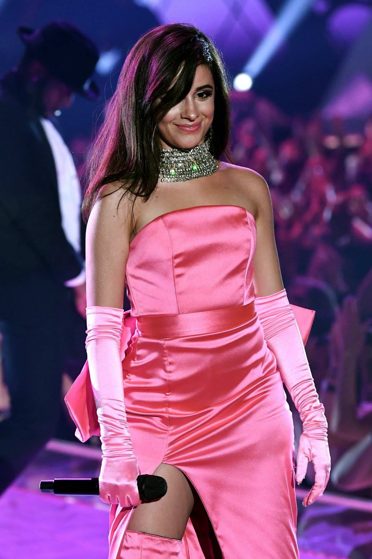 camila cabello performs at the 2018 iheartradio music awards