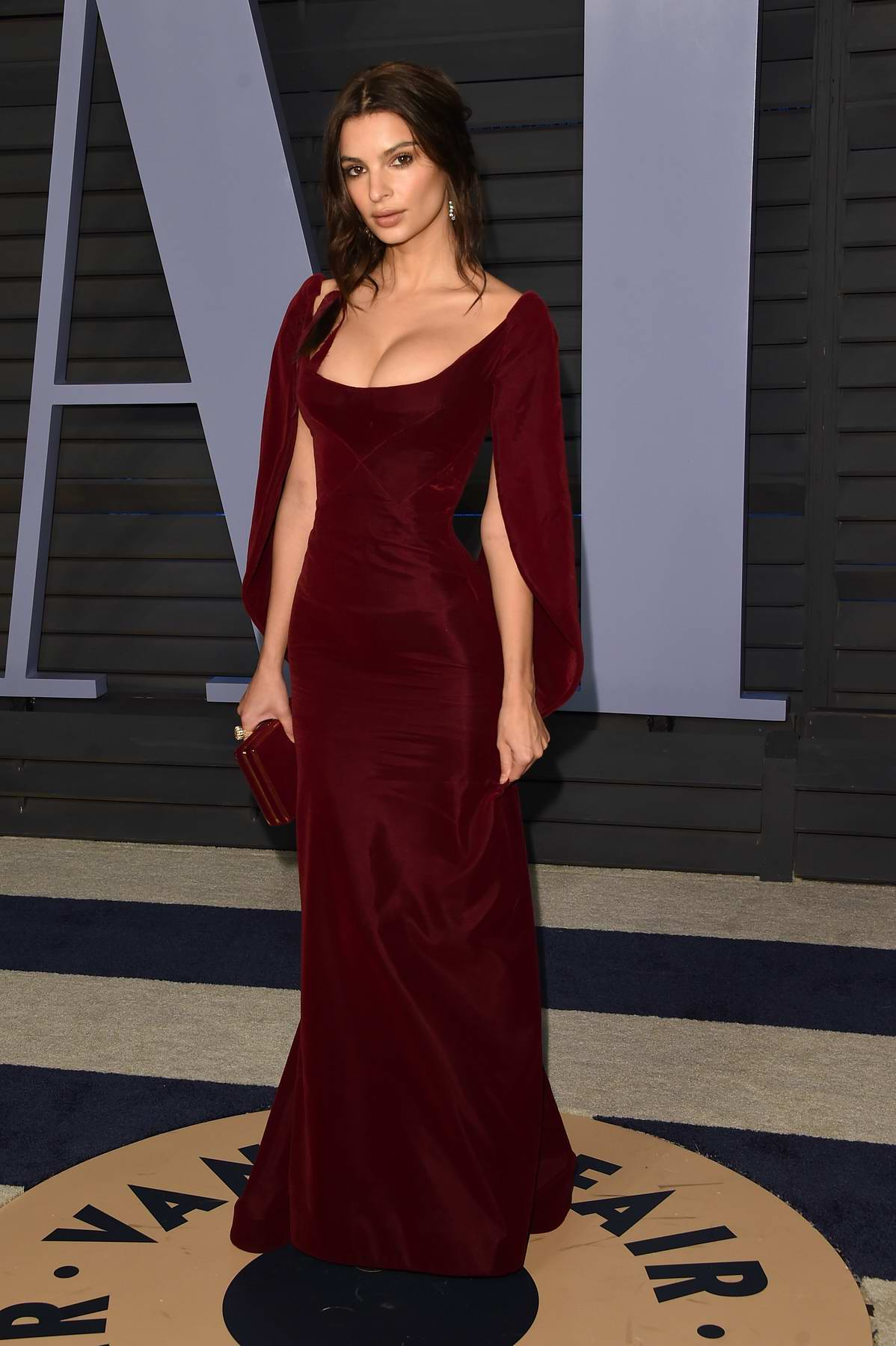Emily Ratajkowski attends 2018 Vanity Fair Oscar Party at the Wallis Annenberg Center for the Performing Arts in Beverly Hills, Los Angeles