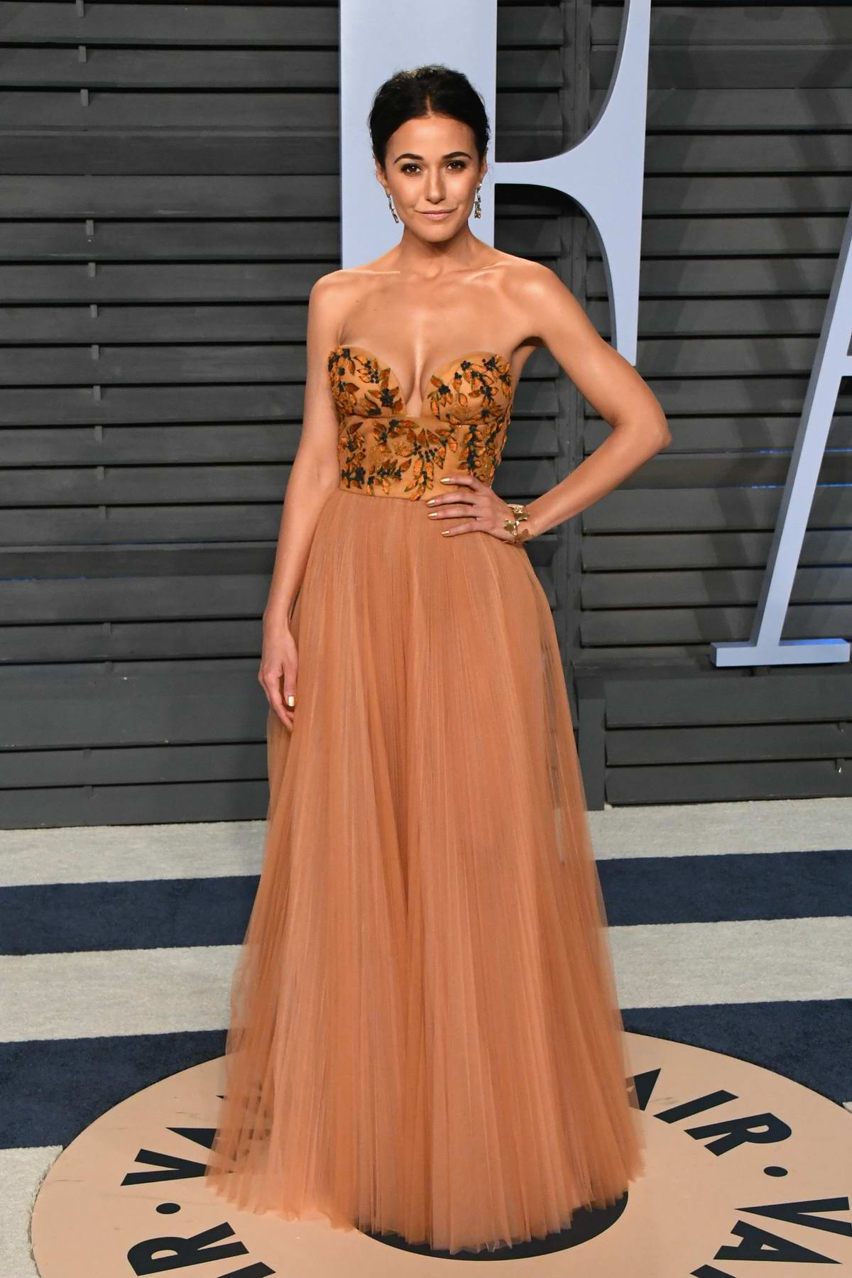 Emmanuelle Chriqui attends 2018 Vanity Fair Oscar Party at the Wallis Annenberg Center for the Performing Arts in Beverly Hills, Los Angeles