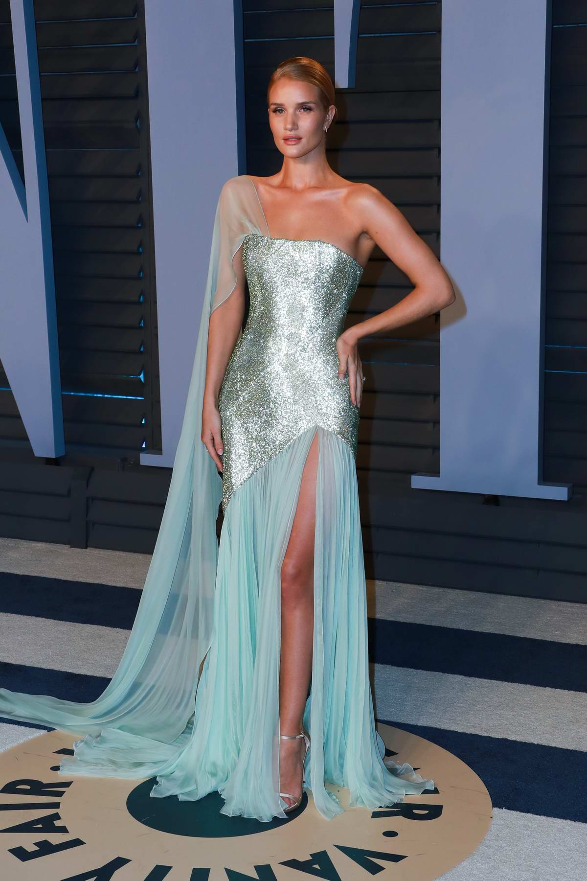 Rosie Huntington-Whiteley attends 2018 Vanity Fair Oscar Party at the Wallis Annenberg Center for the Performing Arts in Beverly Hills, Los Angeles