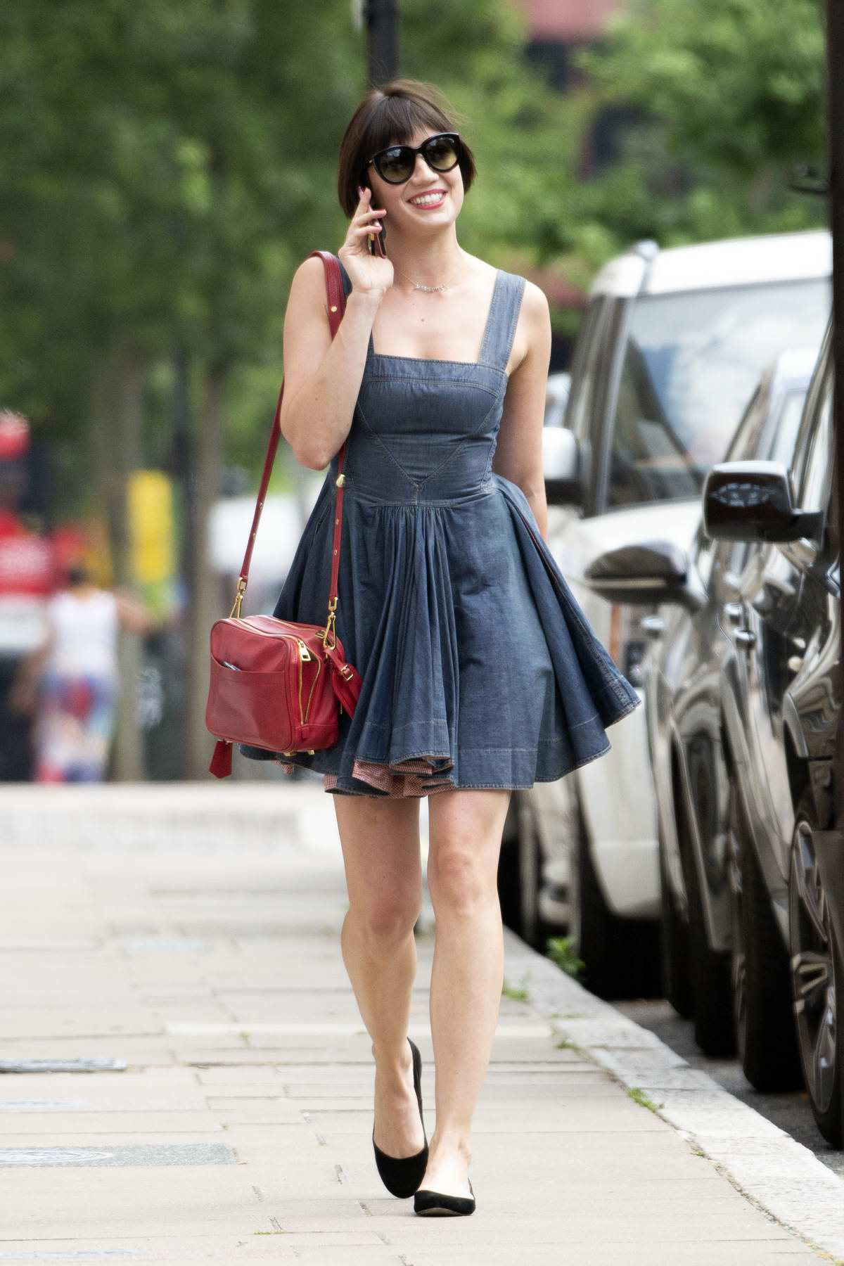 6b8f6f7f7 Short Hair And Long Dresses | Lixnet AG