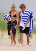Hailey Baldwin and Justin Bieber enjoys a romantic picnic on the beach in The Hamptons, New York