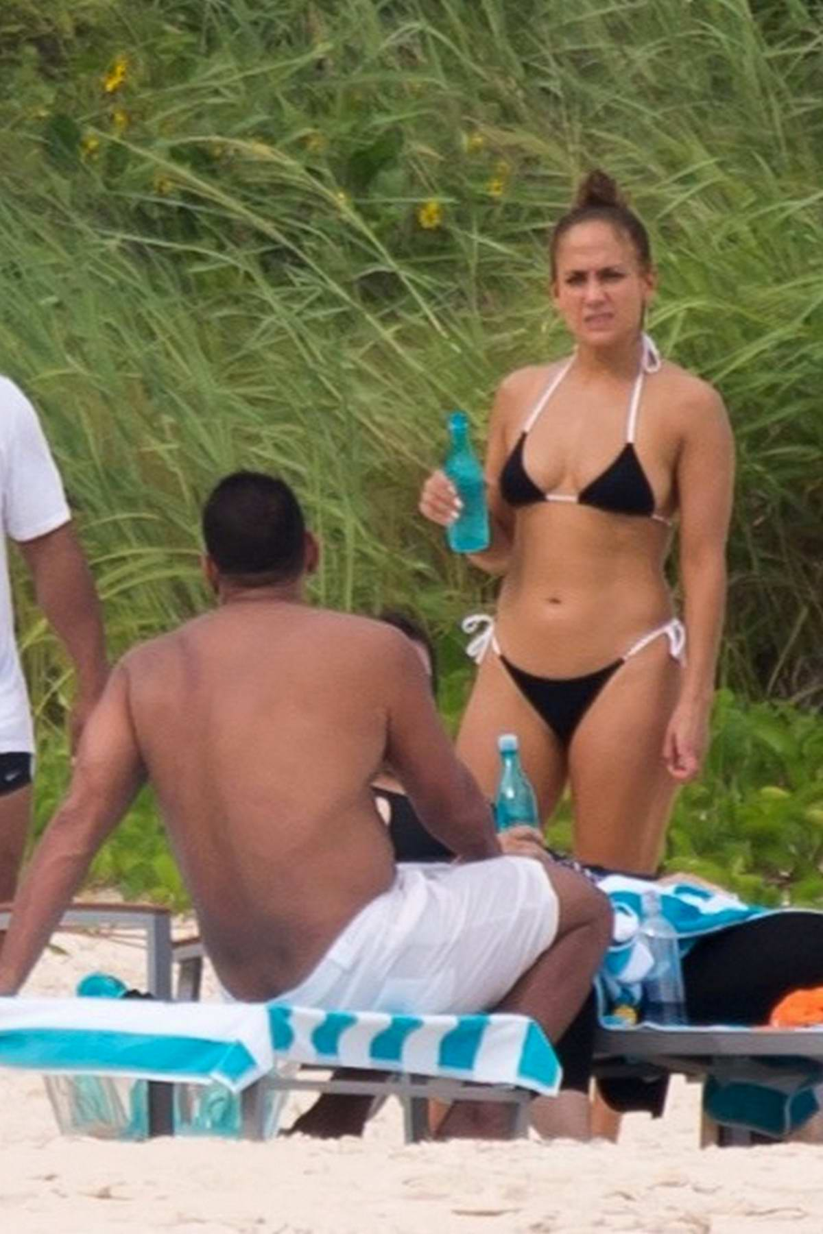 Jennifer Lopez Black Bikini Holiday A Family In During Spotted WbEH9eDIY2