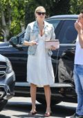 Kate Upton shows off her baby bump while heading to Mauro's Cafe in West Hollywood, Los Angeles