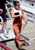 Selena Gomez look cheery as she hops on a yacht with her friends in New York