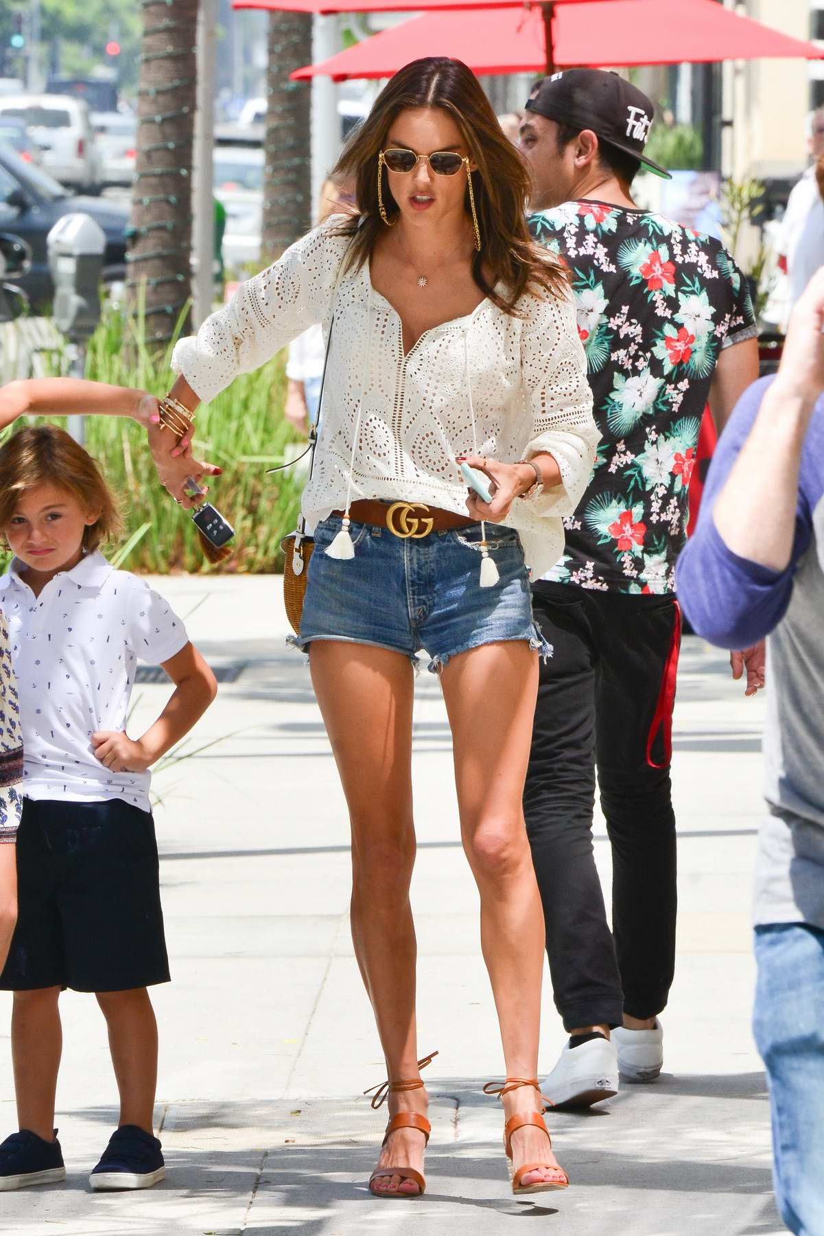 990b2fd9262 alessandra ambrosio takes her kids and mother out to celebrate her ...