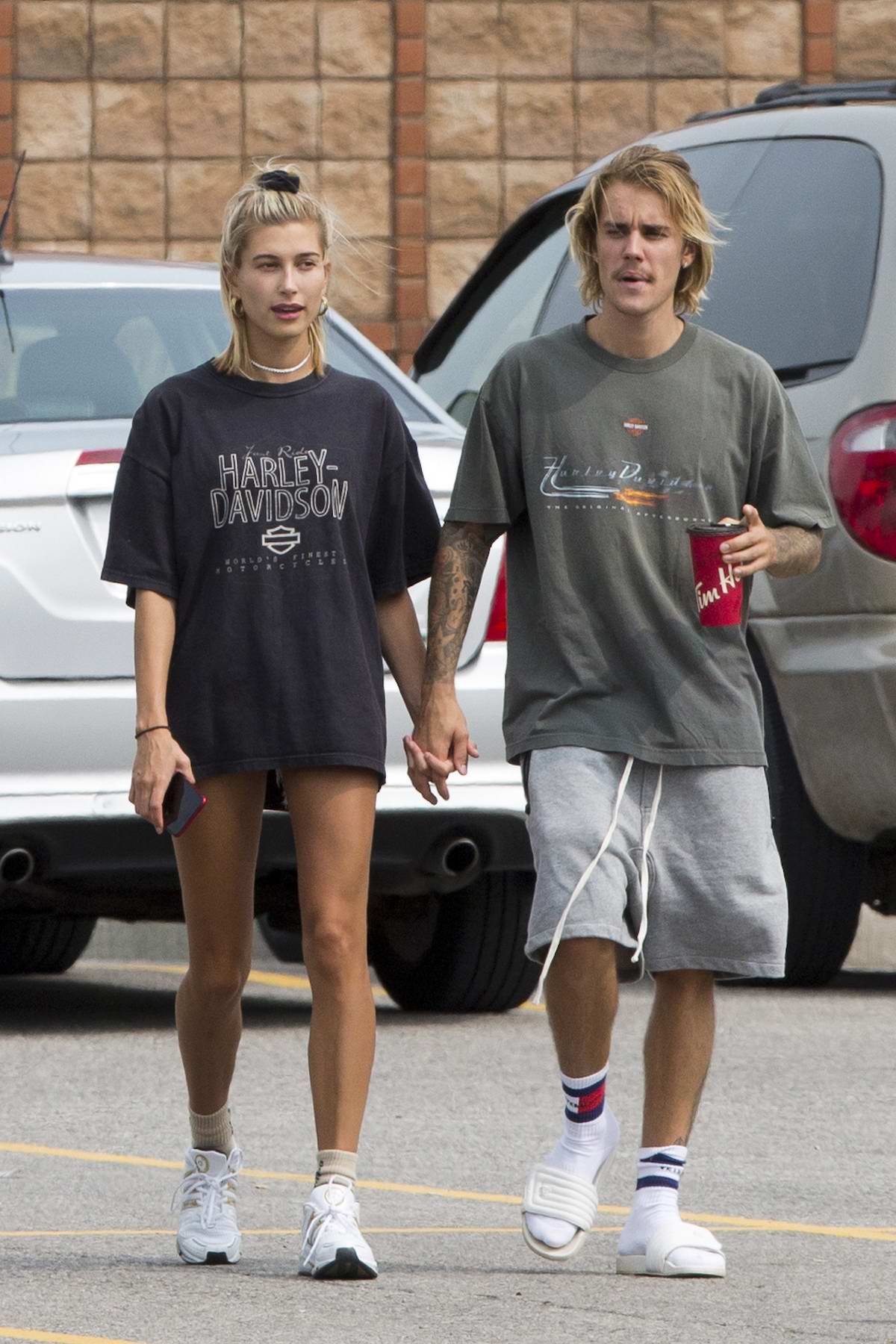 Hailey Baldwin and Justin Bieber gets in some PDA while out and about in Ontario, Canada