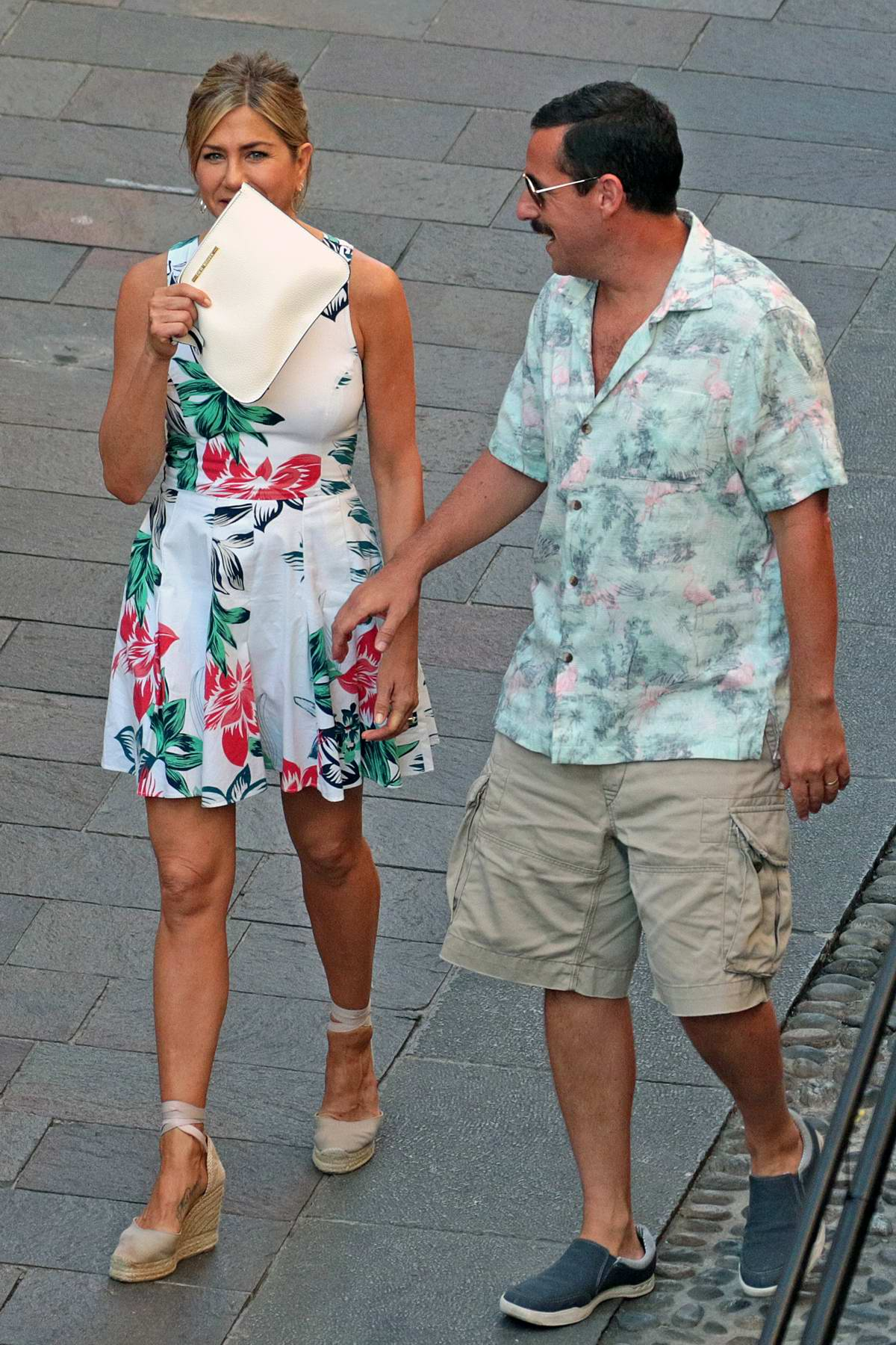 jennifer aniston and adam sandler spotted on the set of