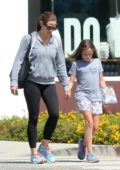 Jennifer Garner seen while shopping with her younger daughter in Los Angeles