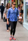 Jennifer Garner takes her kids to shopping at Staples in Santa Monica, California