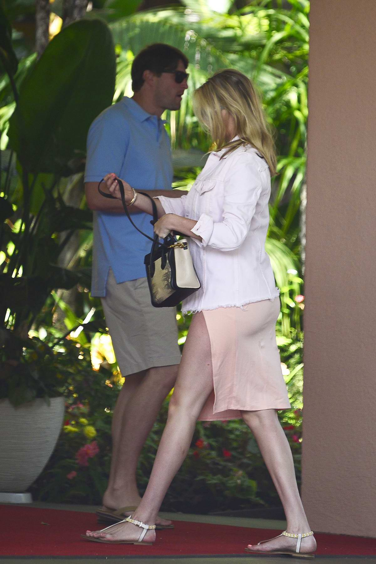 Kate Upton Wears A Light Peach Slit Dress To Lunch With Justin Verlander At The Beverly Hills Hotel In Los Angeles 240818 4 Kate upton seen while leaving her hotel in new york city. kate upton wears a light peach slit dress to lunch with justin verlander at the beverly hills hotel in los angeles 240818 4