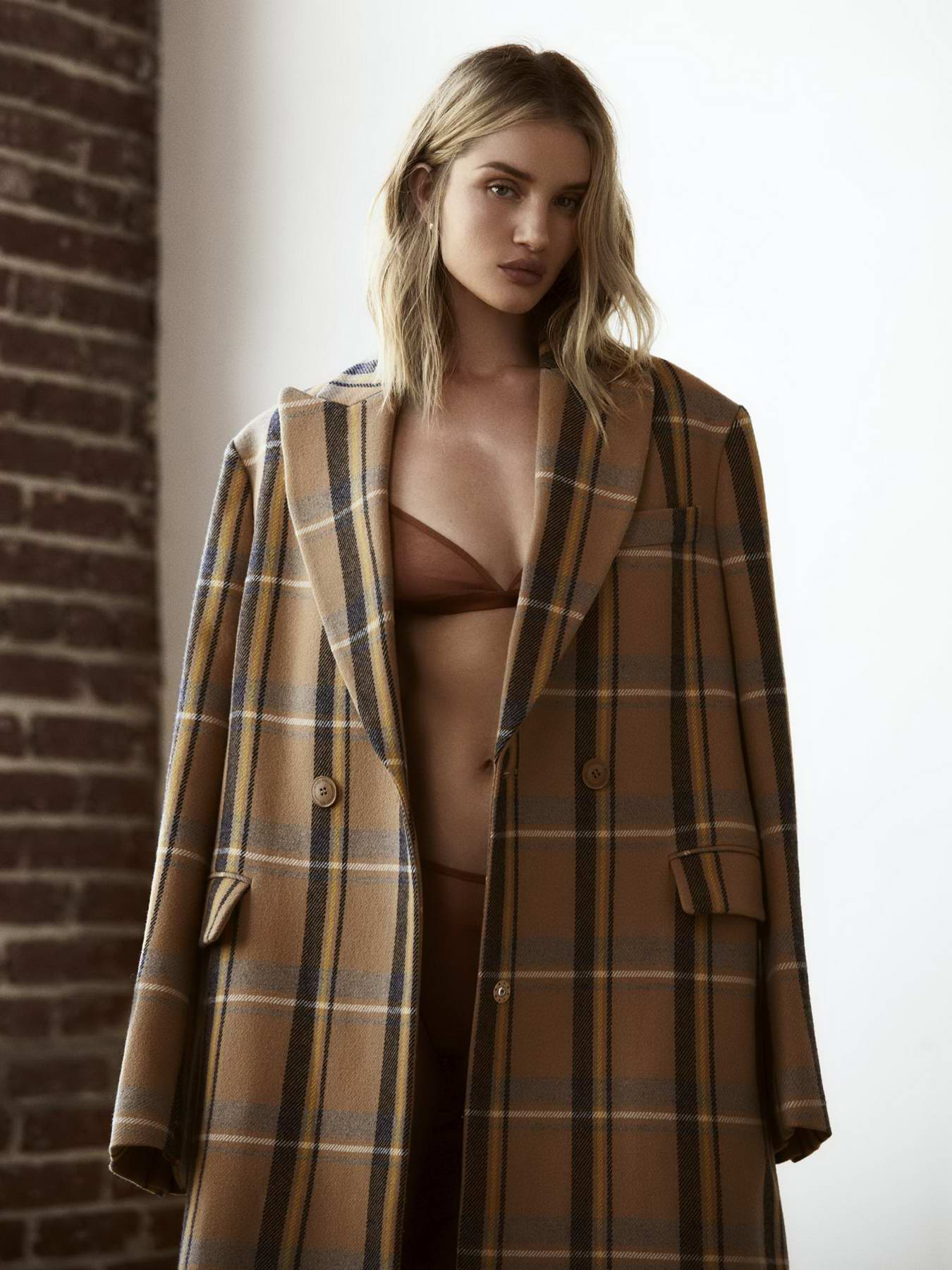 Rosie Huntington-Whiteley features in PORTER Edit - August 2018