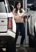 Ariel Winter got her hands full while leaving a studio in Studio City, Los Angeles